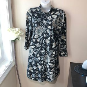 Dresses & Skirts - Black floral dress